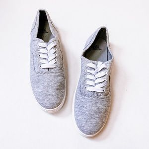 NWOT WILD FABLE Heather Grey Lace Up Sneakers
